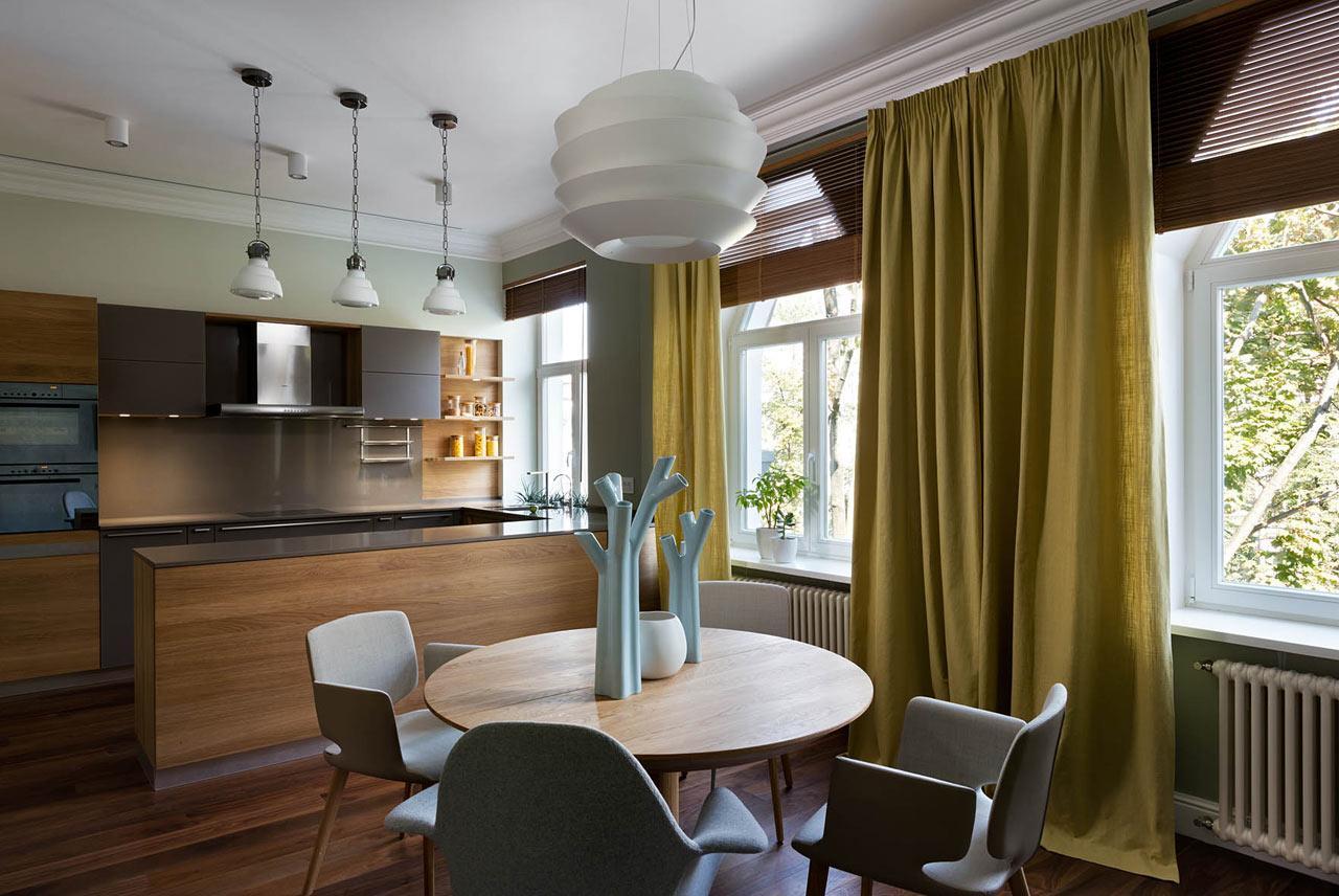 Кухня-столовая в двухуровневой квартире