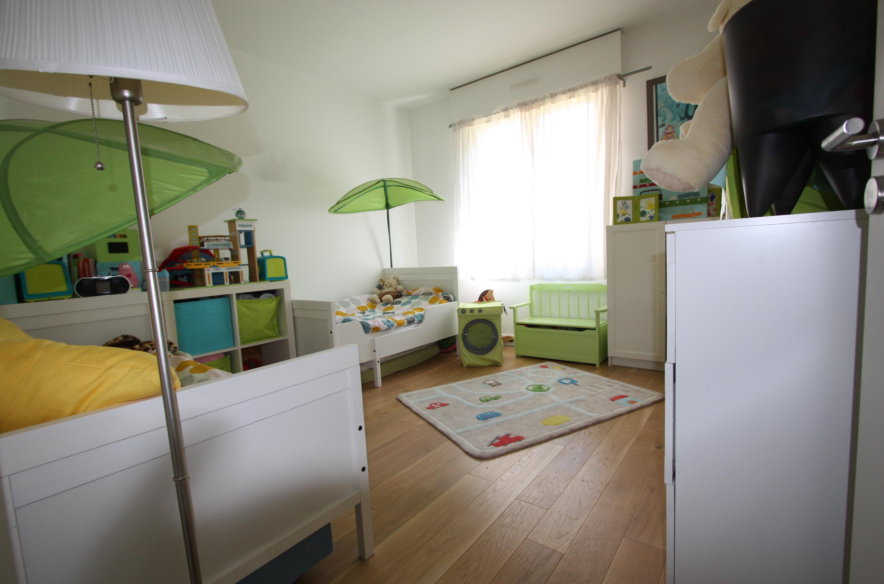 Дизайн детской комнаты для двух мальчиков зеленый