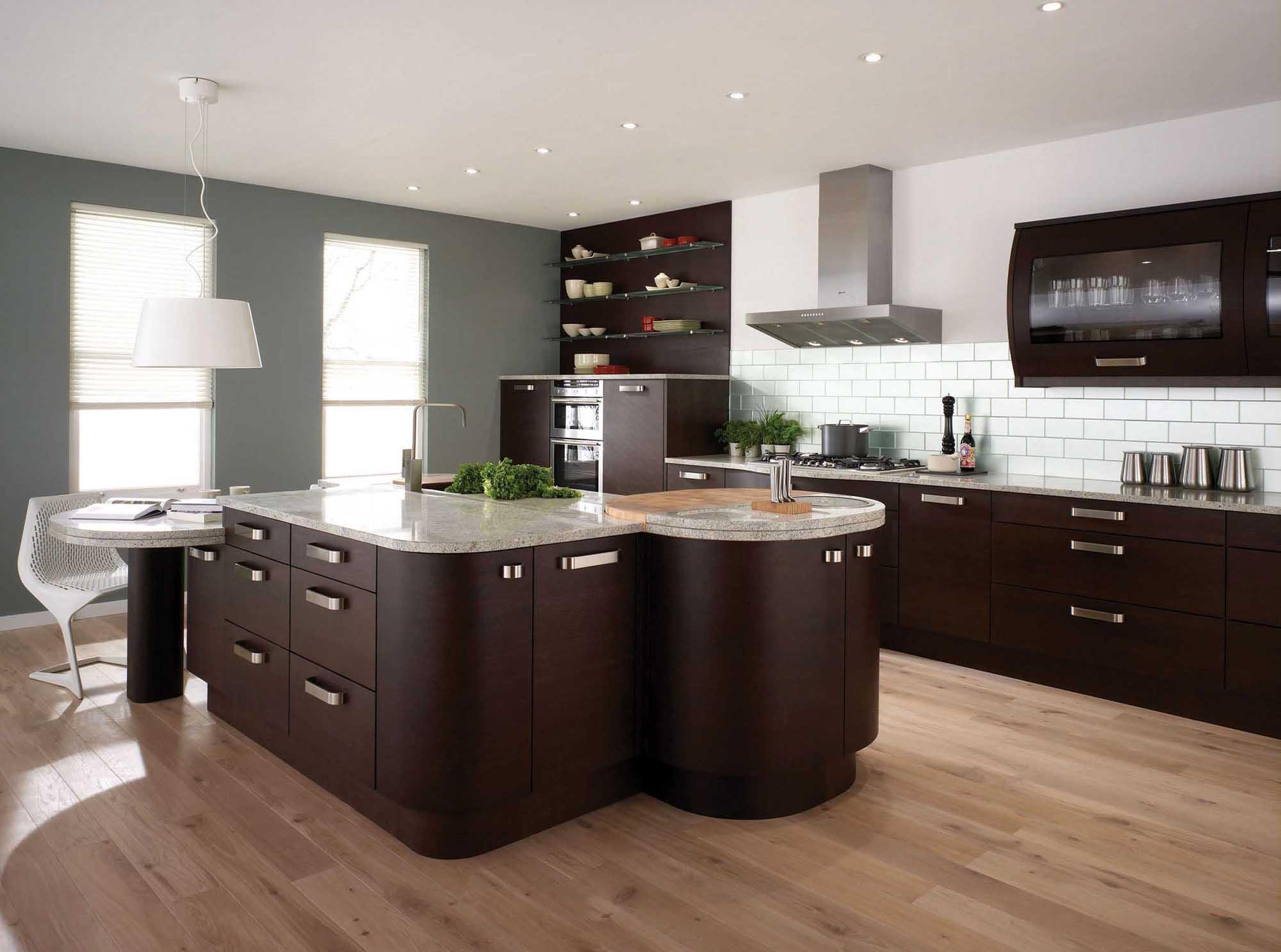 Кухня с островом в стиле модерн