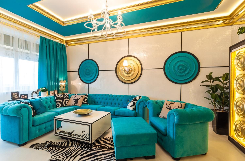 Голубовато-зеленый оттенок бирюзового в гостиной