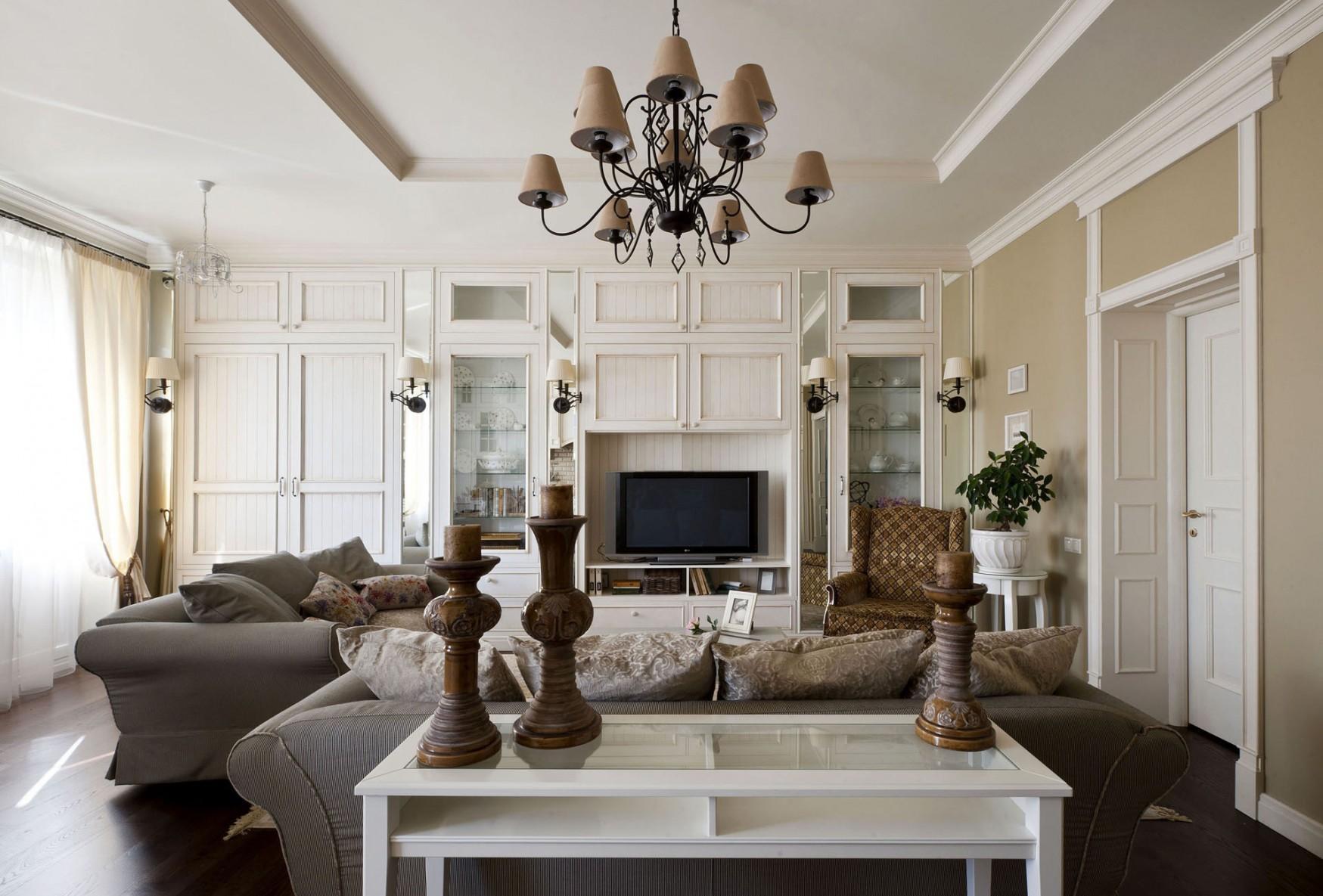 Бежево-коричневая гостиная в стиле прованс