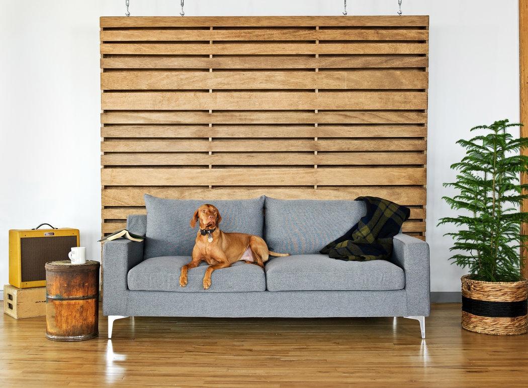 Пружинный диван в стиле ретро