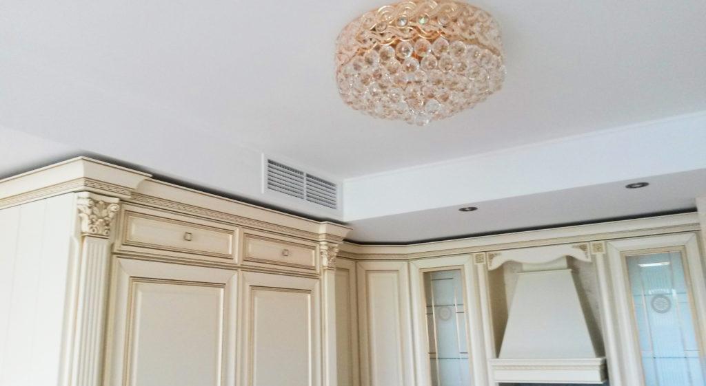 Вентиляция в гипсокартонном коробе на кухне