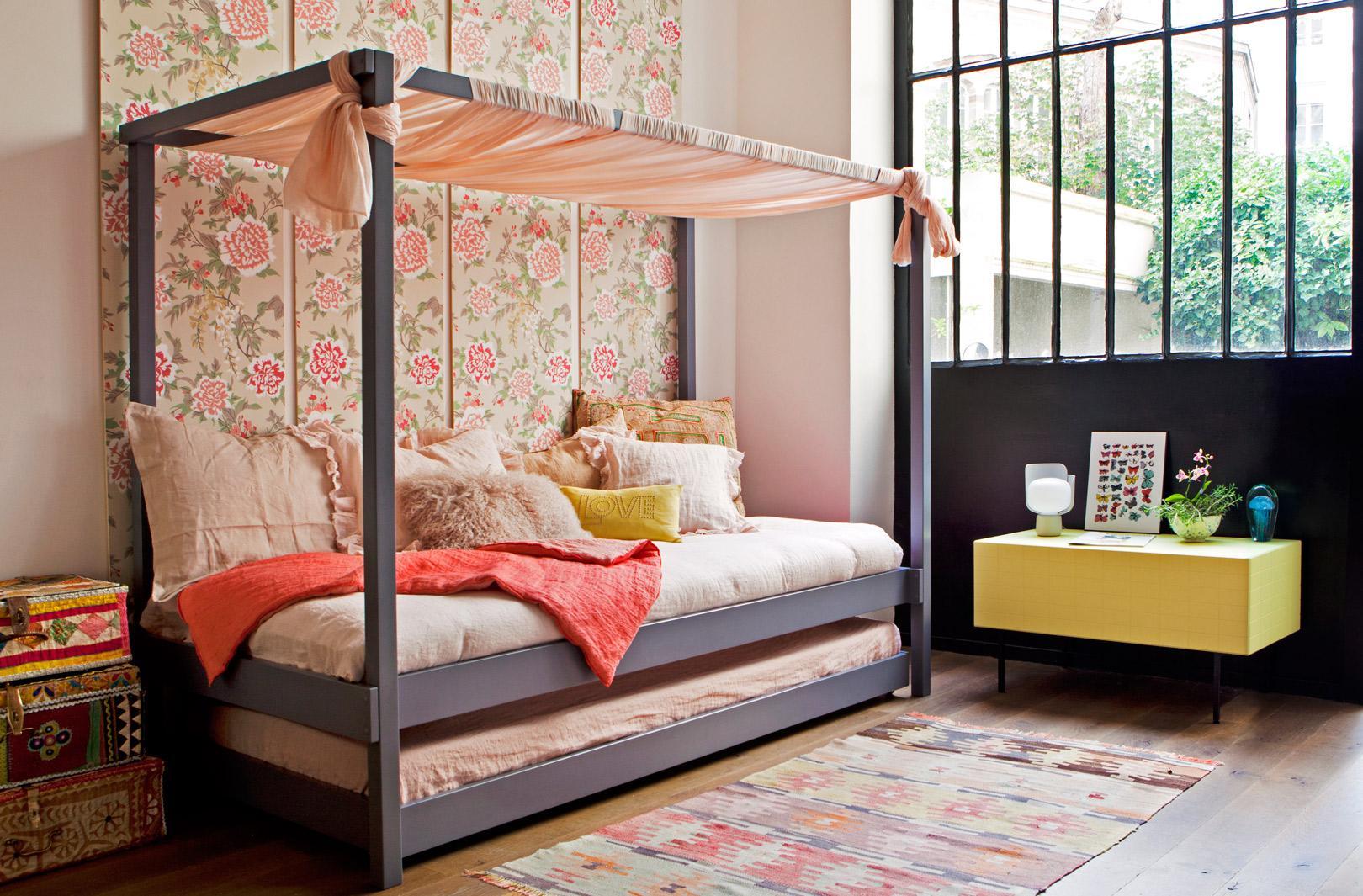 Эконом дизайн детской комнаты с декоративными панелями