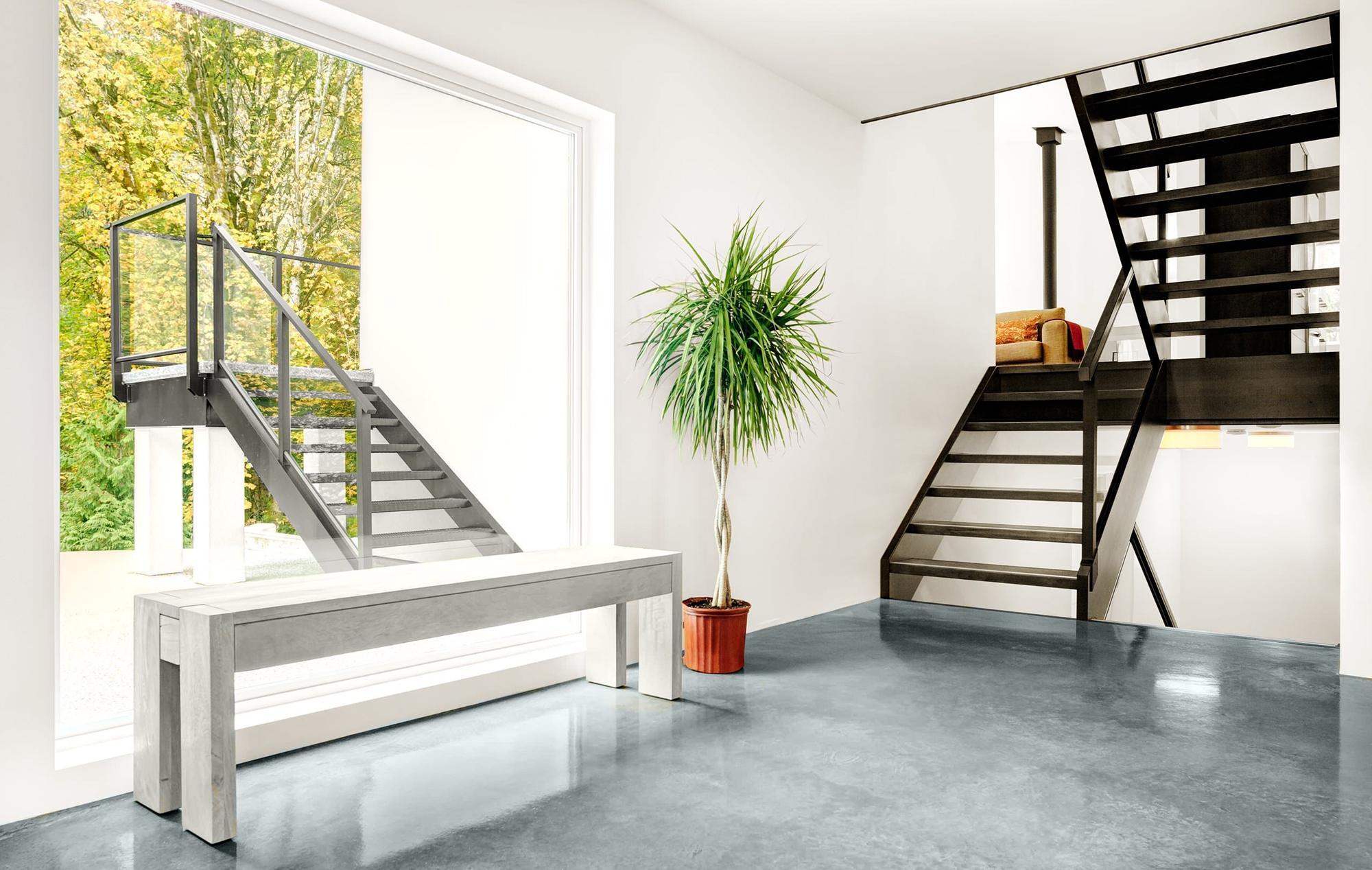 Универсальные лестницы в нейтральном стиле