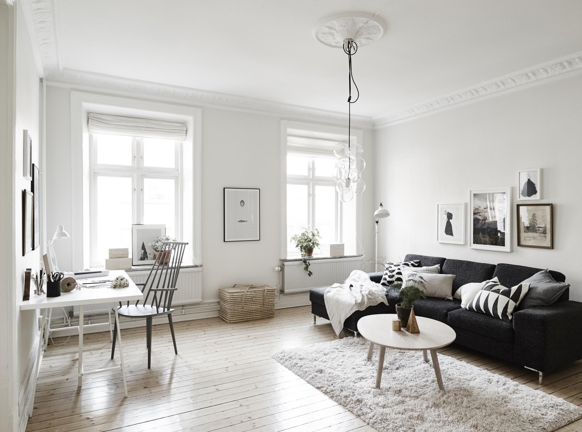 Черно-белая гостиная в норвежском стиле