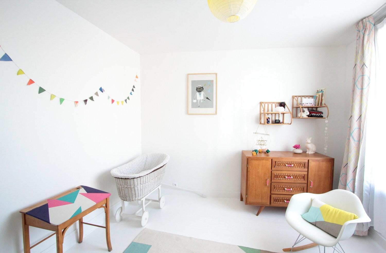 Эконом дизайн детской комнаты светлый