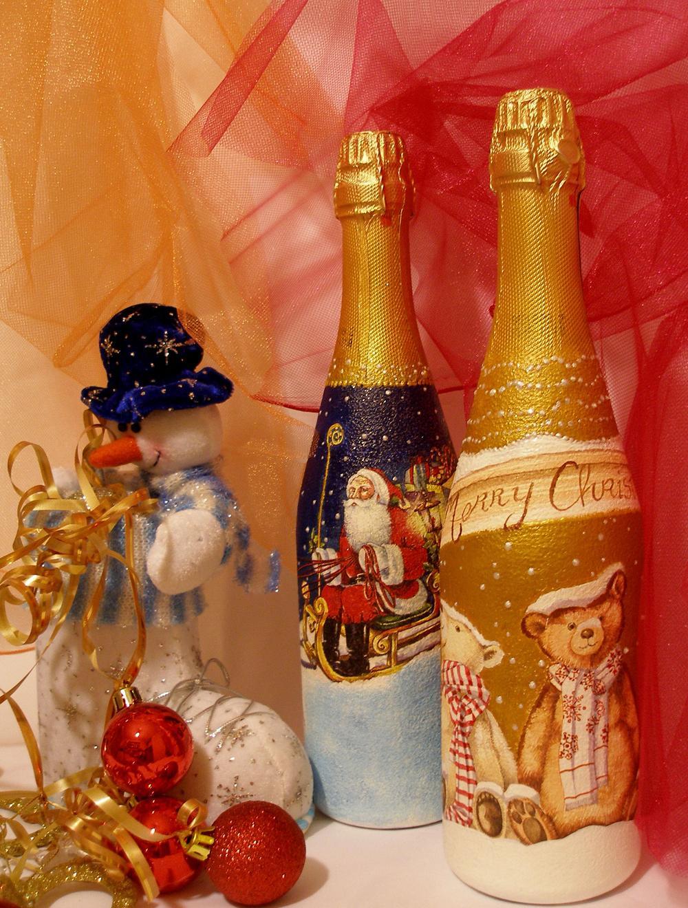 Декупаж бутылки шампанского на новый год с сантой
