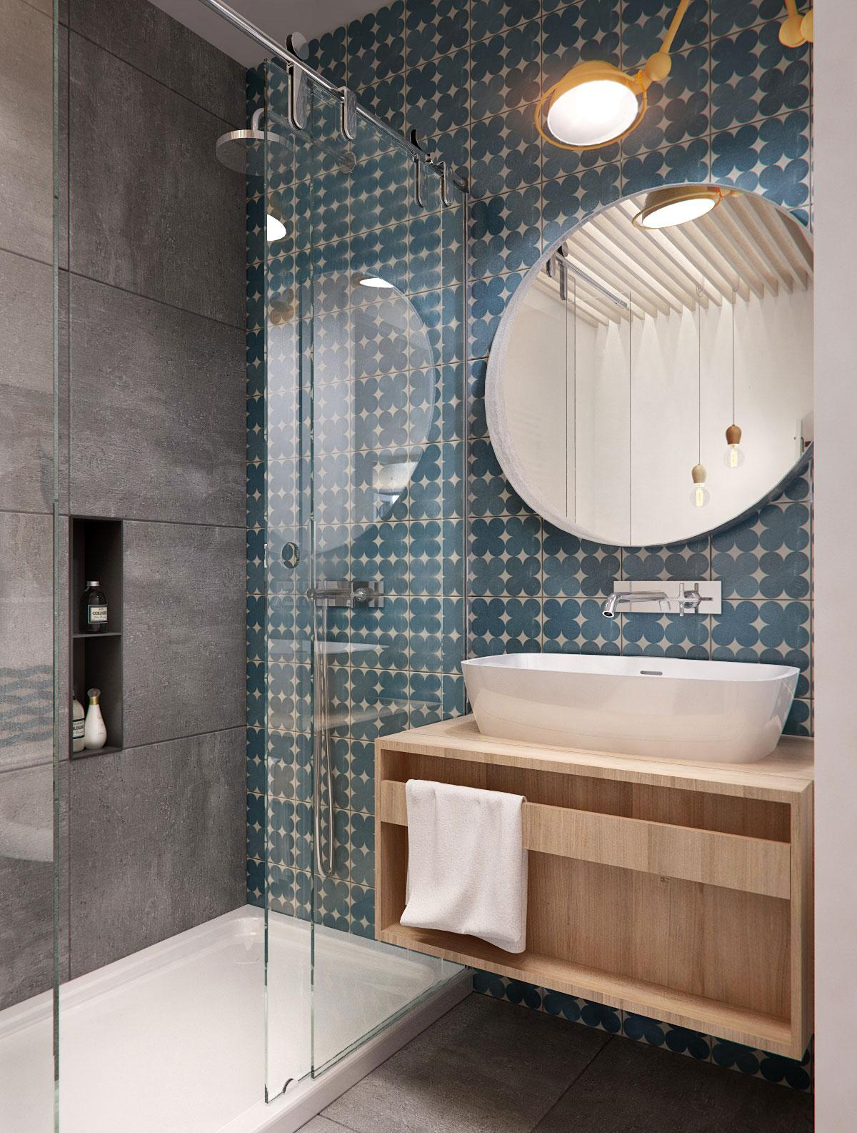 Серая о сине-белая плитка в ванной