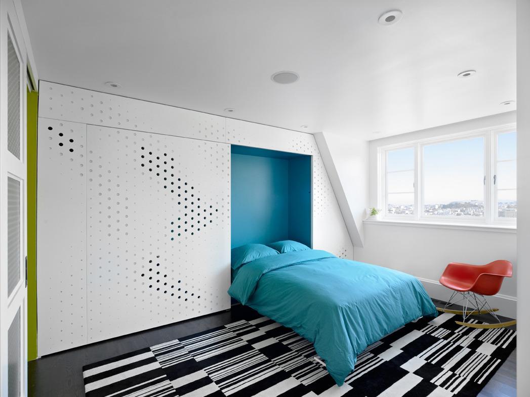 Встроенная двухспальная кровать