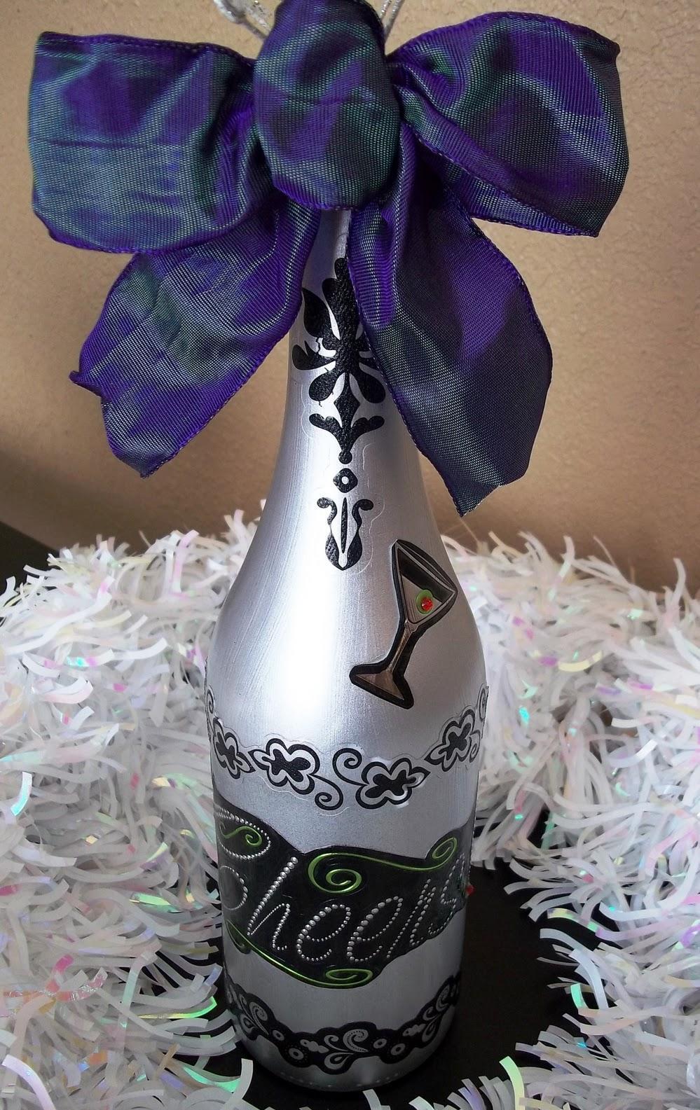 Новогодний декупаж бутылки шампанского с орнаментом