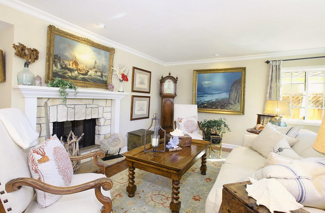 Светлая гостиная в классическом стиле