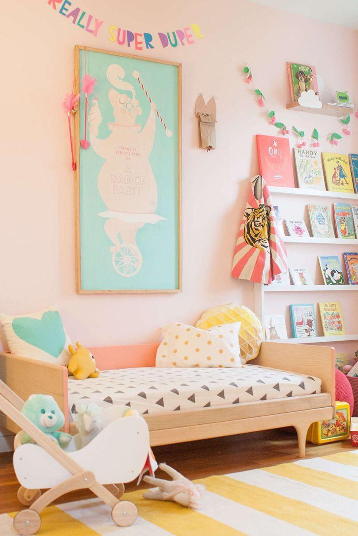 Детская комната в хрущевке розовая