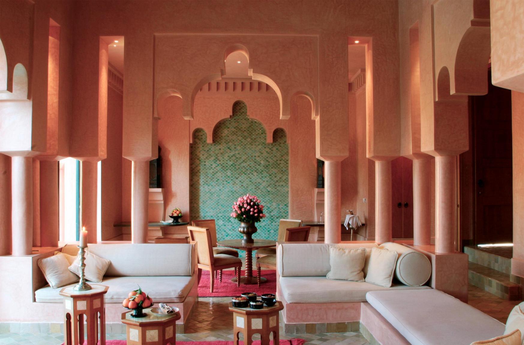 Розовый интерьер в восточном стиле
