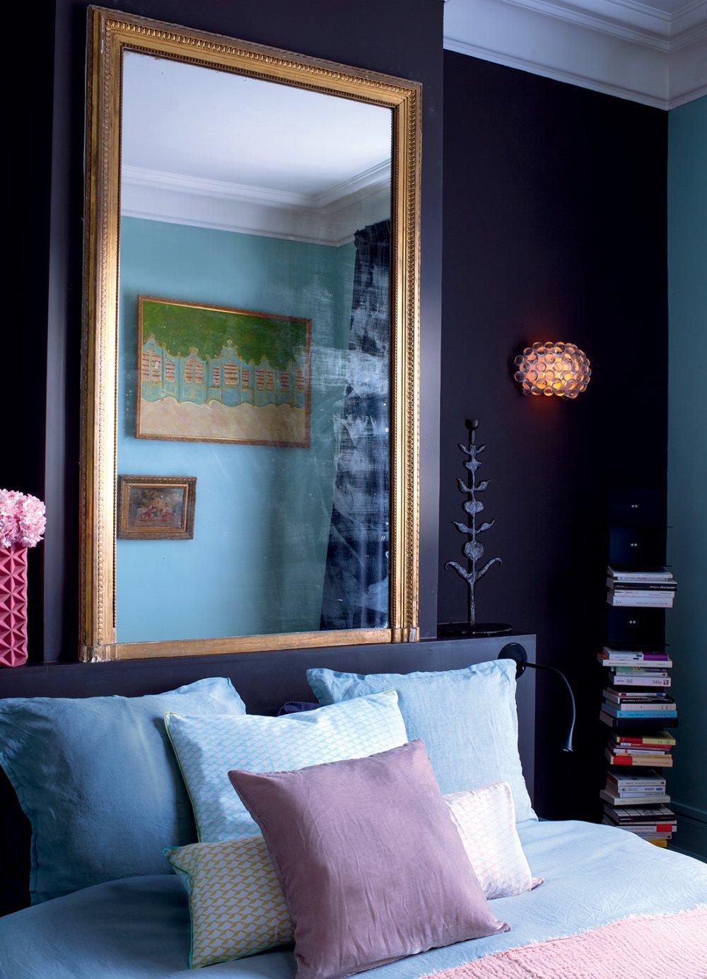 Спальня 14 кв.м. с зеркалом