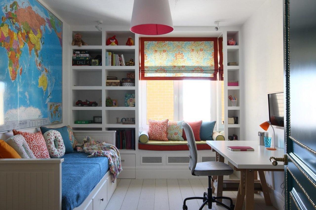 Детская комната в хрущевке с картой