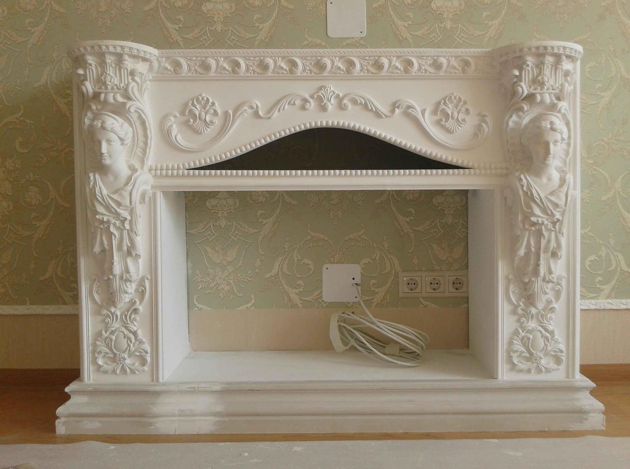 Декор из пенопласта на фальш камине