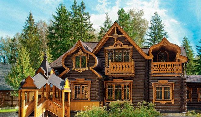 Размах русского стиля в загородном строительстве