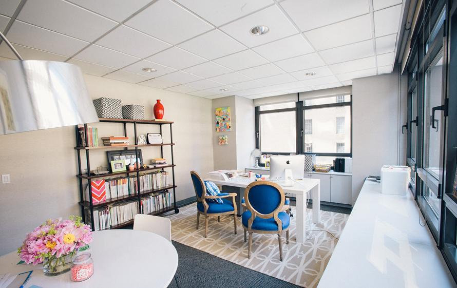 Дизайн интерьера кабинета руководителя женщины