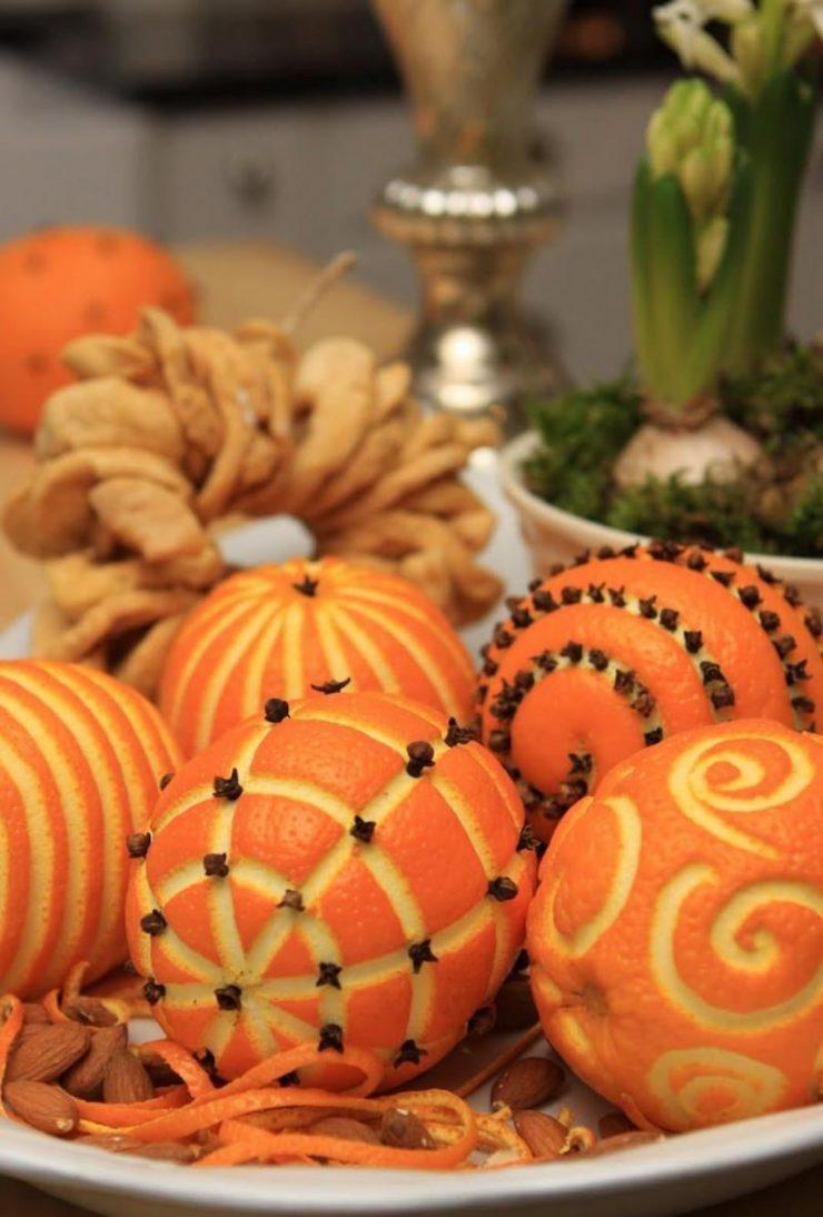 Декор однокомнатной квартиры к новому году апельсинами
