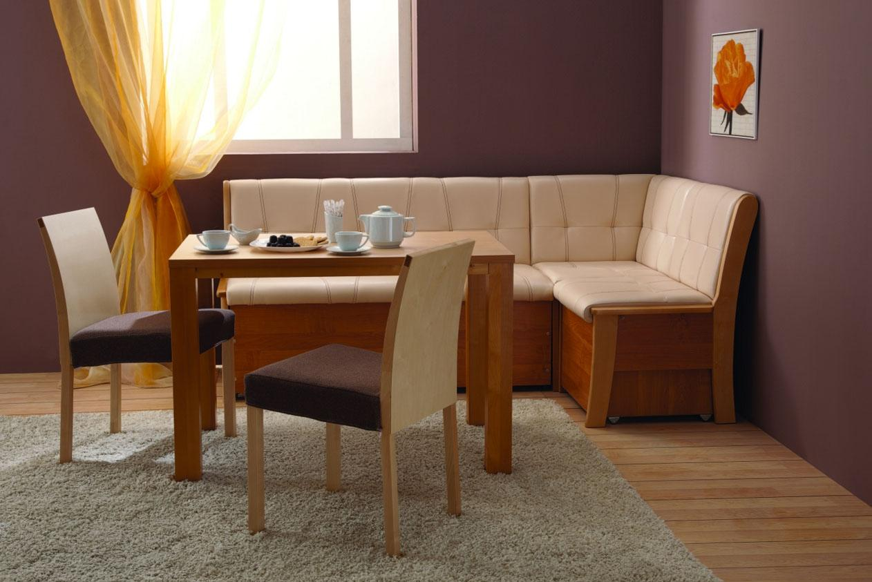 Угловой диван в бежево-коричневой кухне