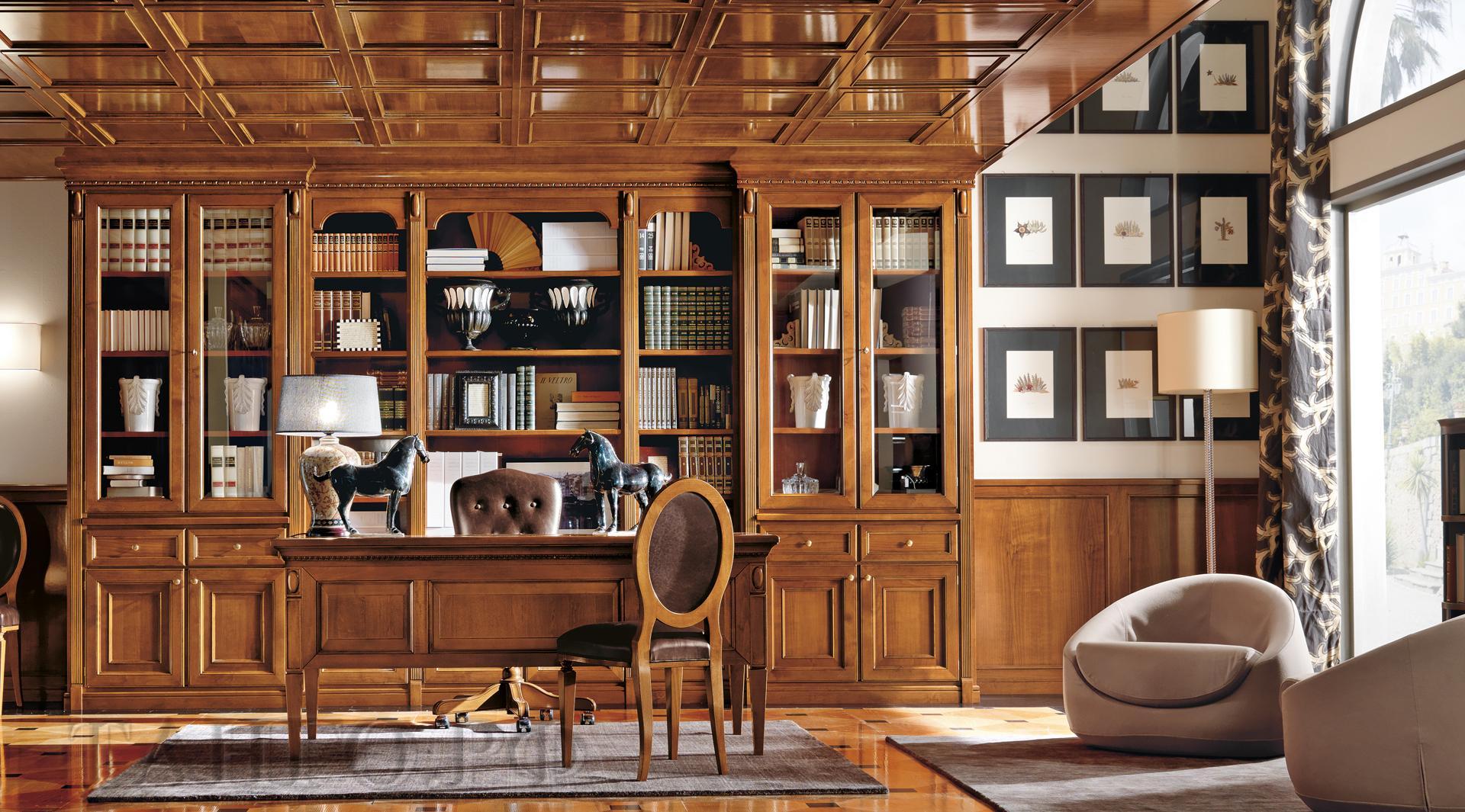 Книжный шкаф в кабинете руководителя
