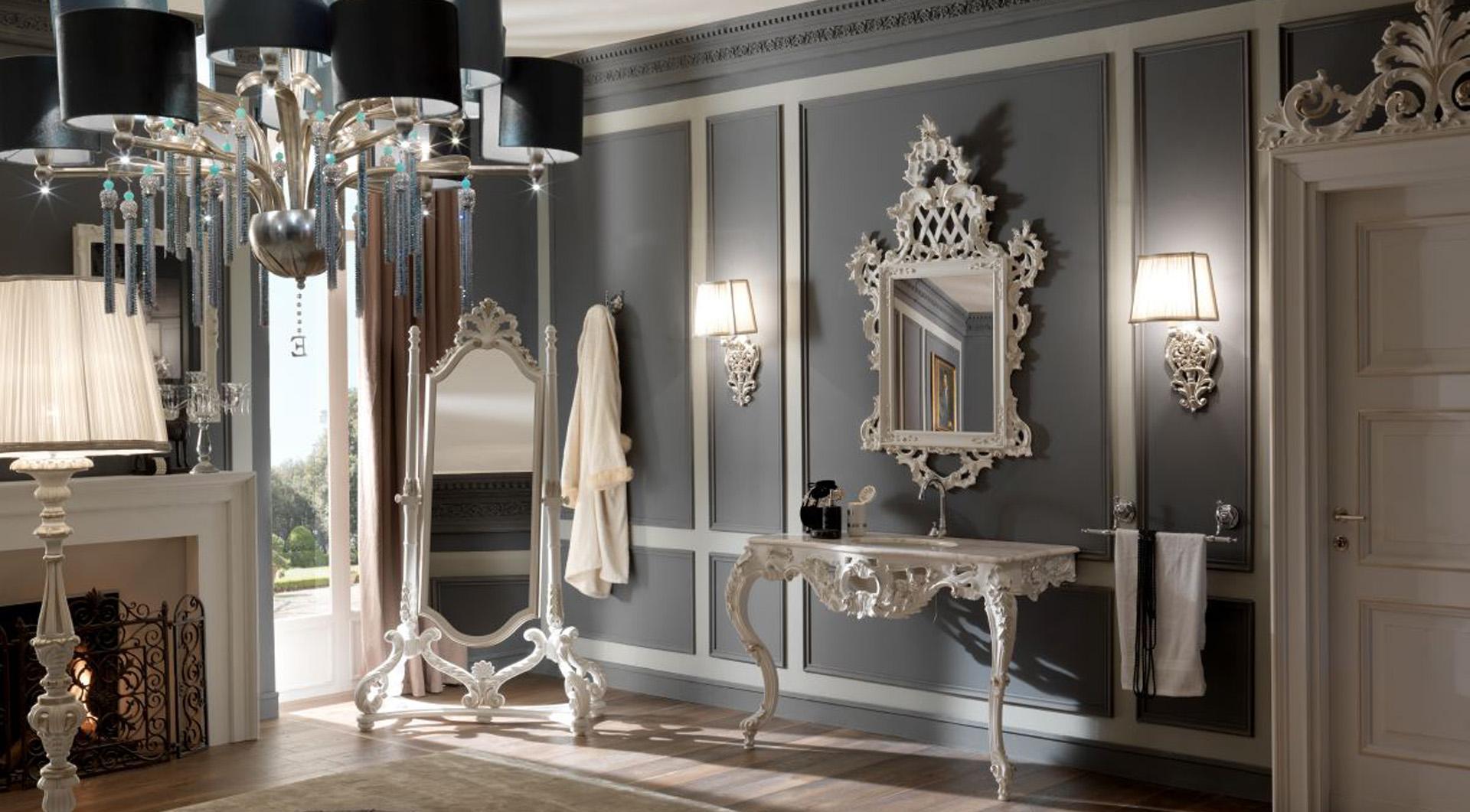 Туалетный столик и зеркало в итальянском интерьере