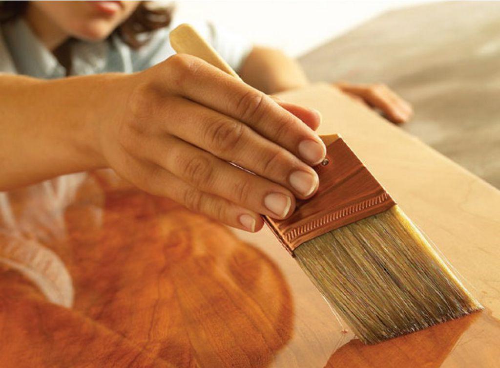 Обработка фанеры лаком