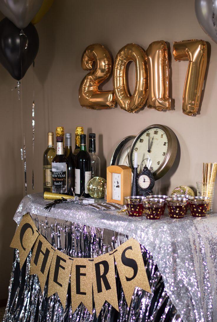 Украшение однокомнатной квартиры к новому году шариками