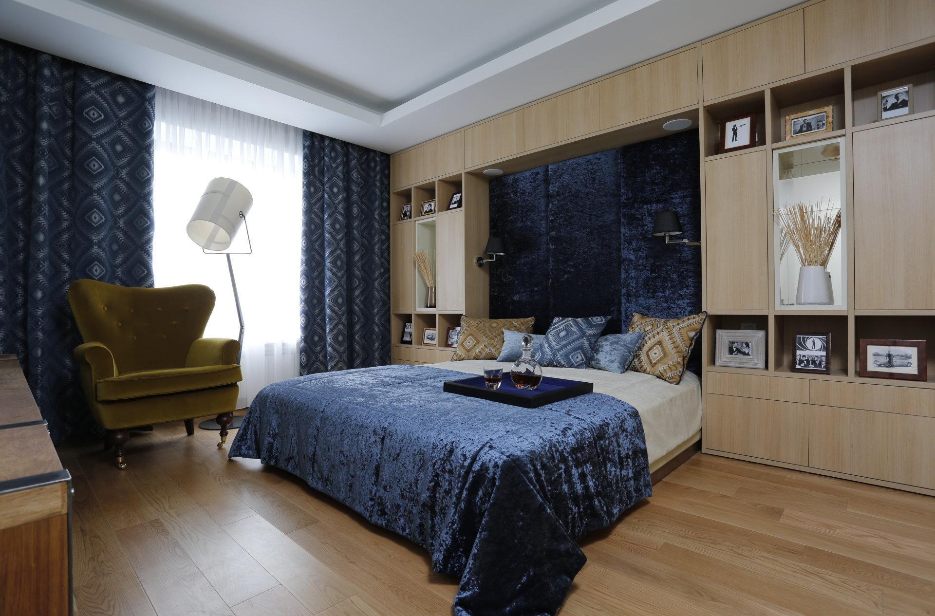 Бежево-синяя спальня