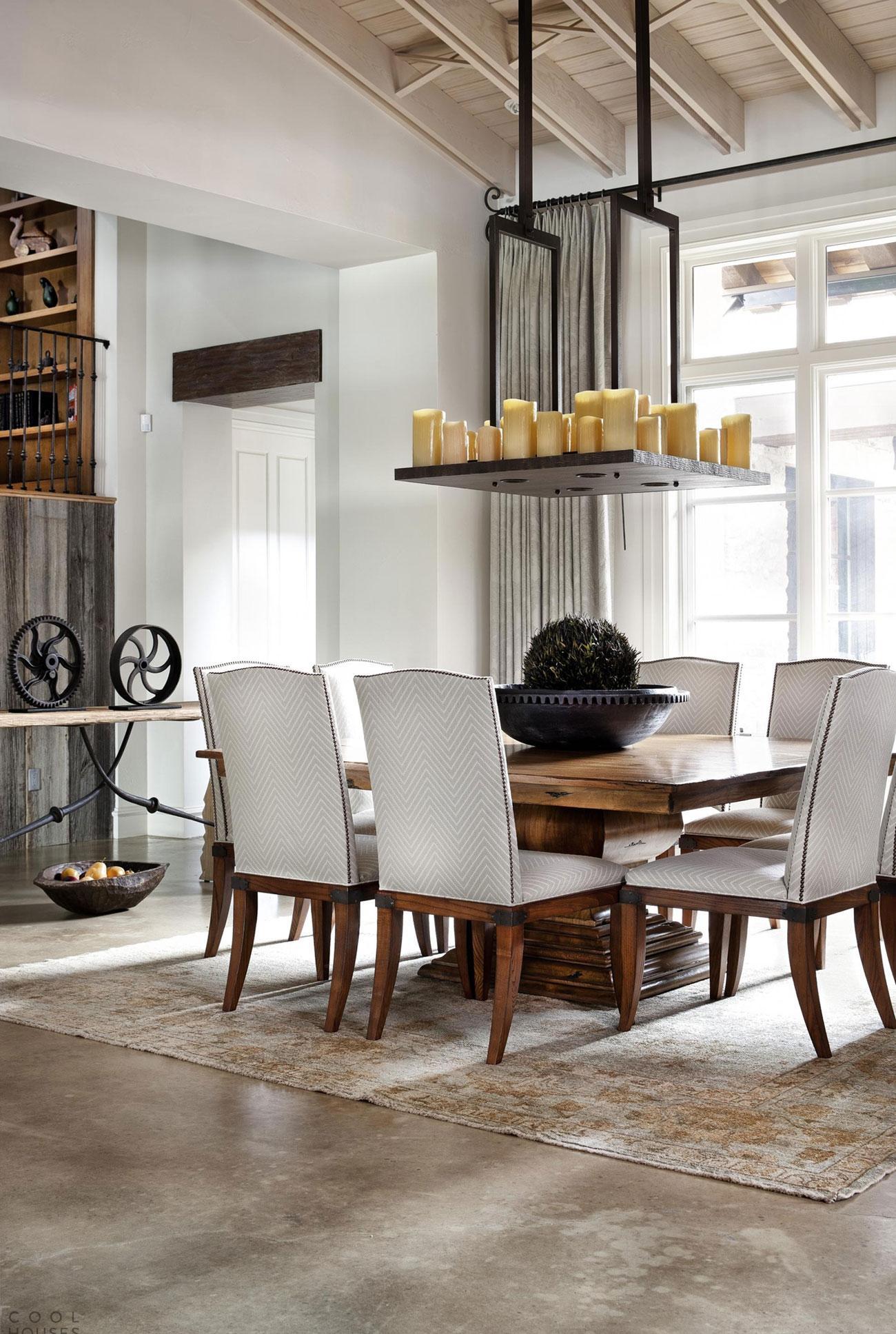 Необычная столовая и кухня в скандинавском стиле