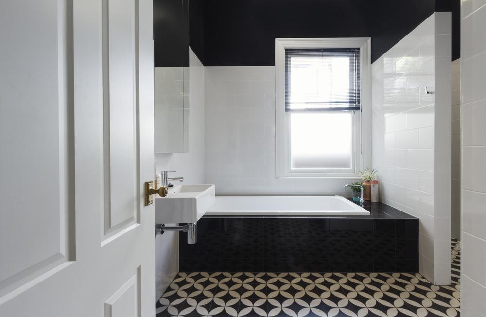 Плитка с узором в ванной