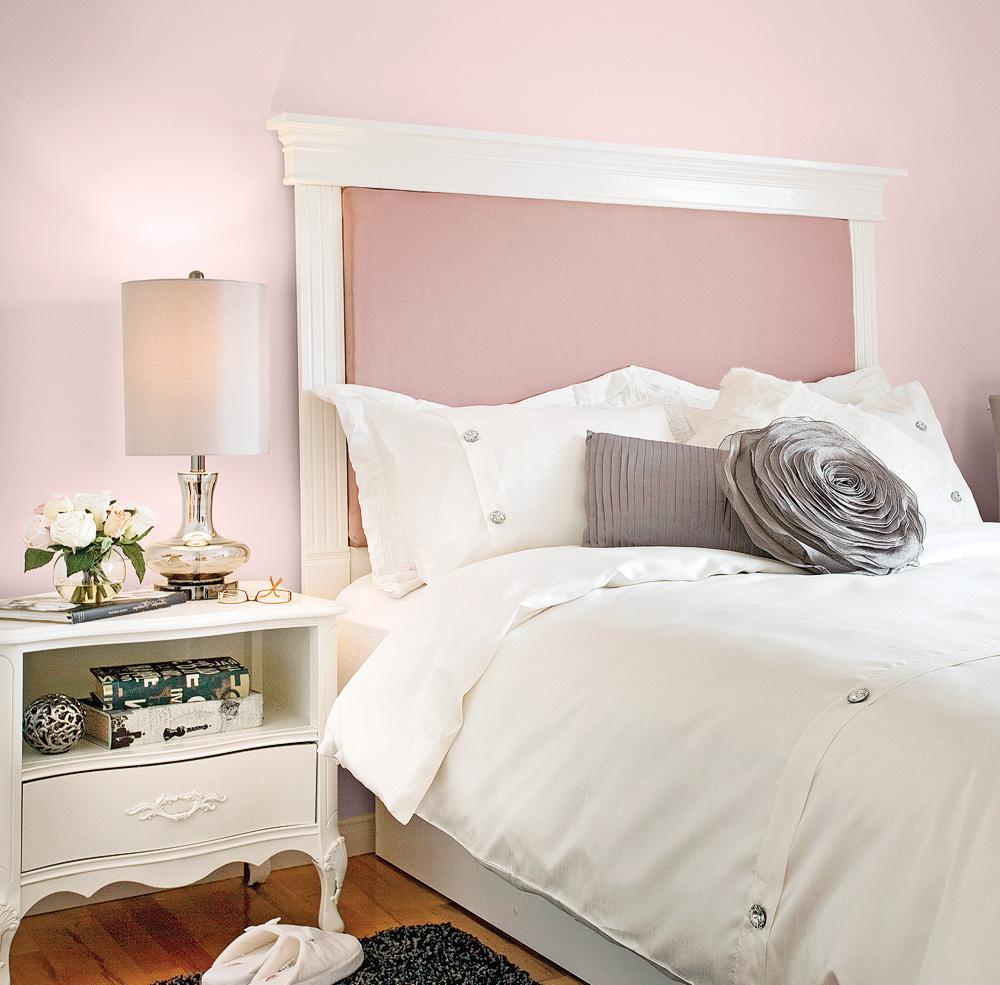 Оформление изголовья кровати в стиле прованс