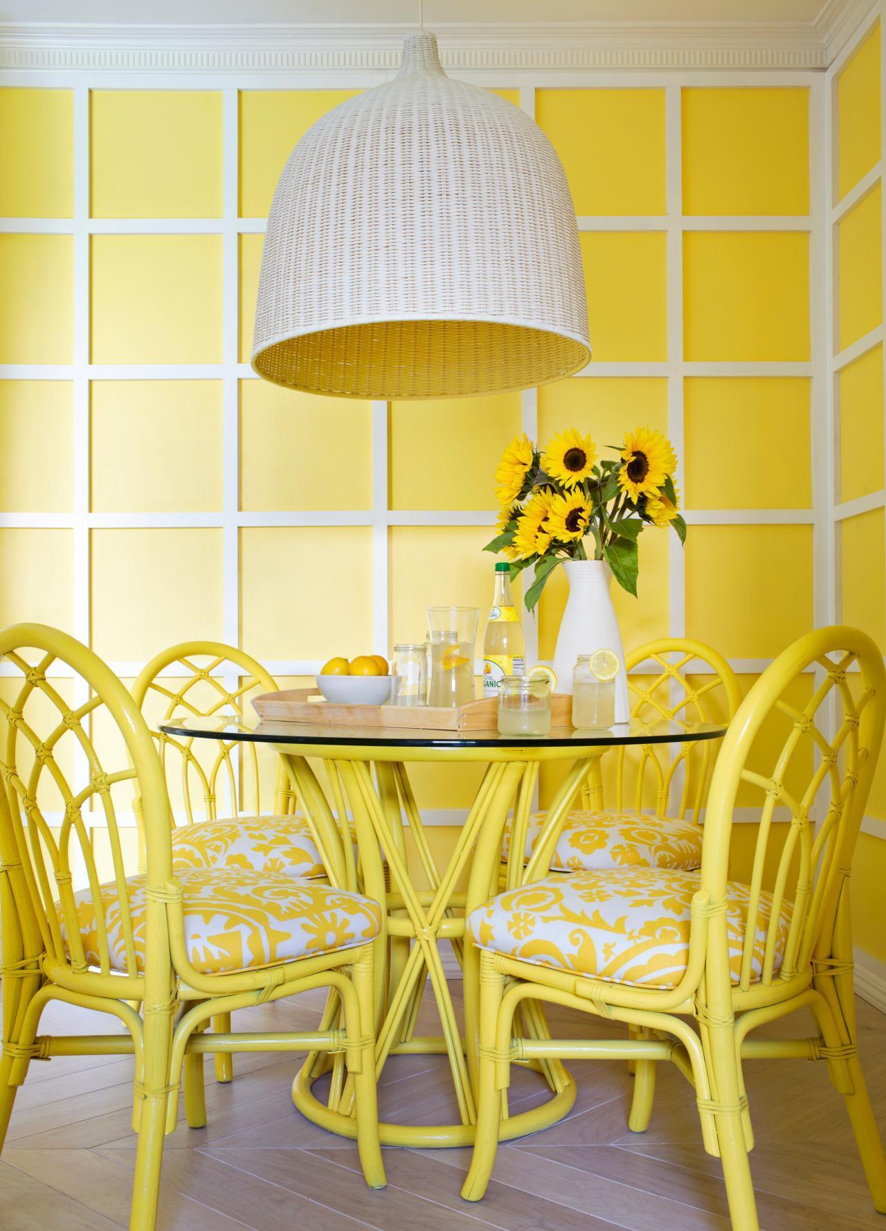 Бело-желтый интерьер
