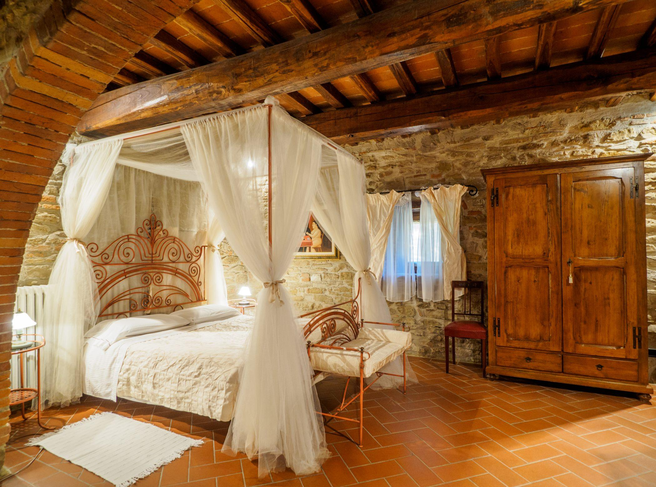 Итальянский стиль в интерьере деревянном