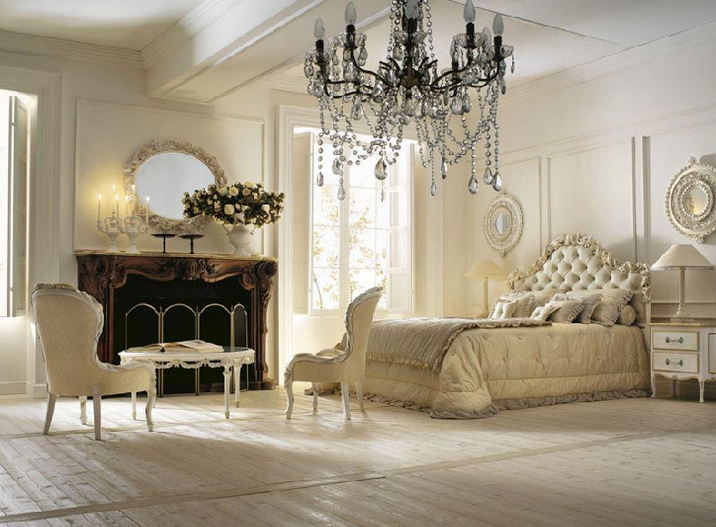 Спальня в итальянском стиле в бело-бежевых тонах