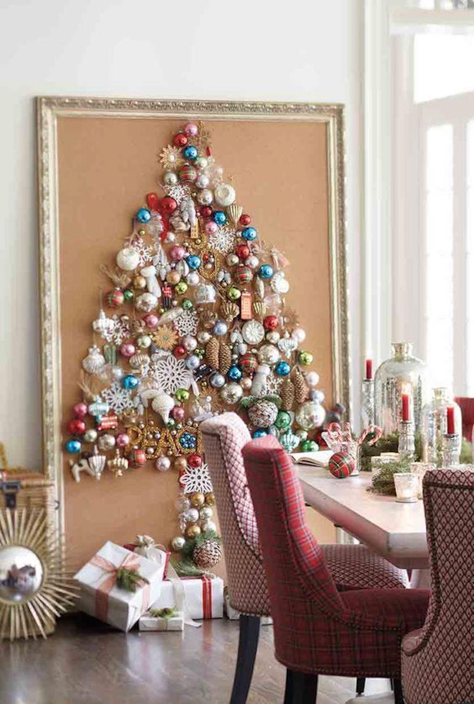 Декор однокомнатной квартиры к новому году картиной