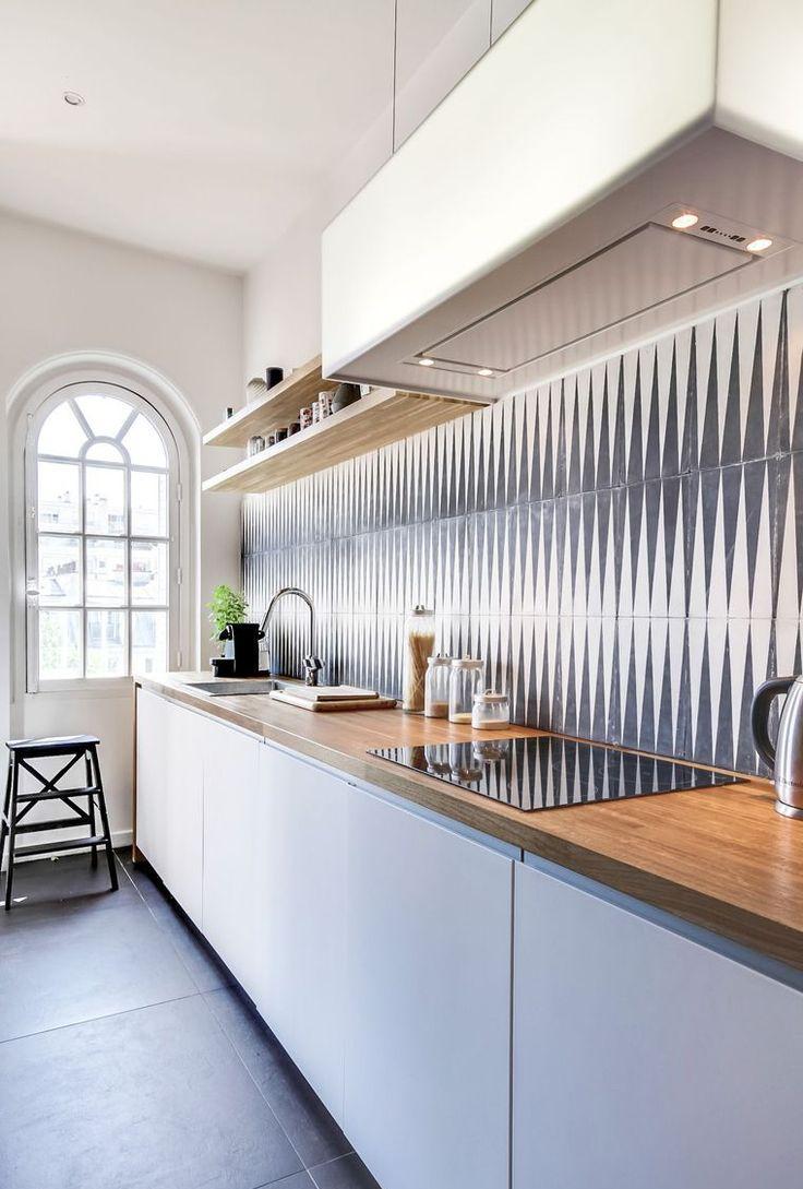 Кухня прямая в частном доме