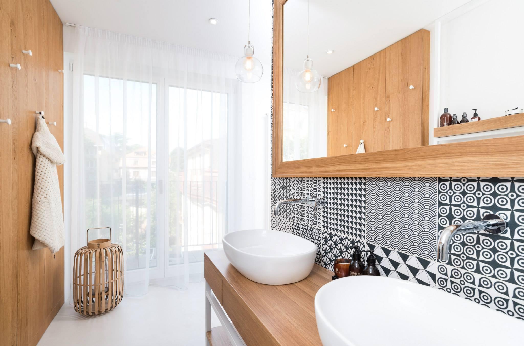 Обстановка однокомнатной квартиры и интерьер ванной