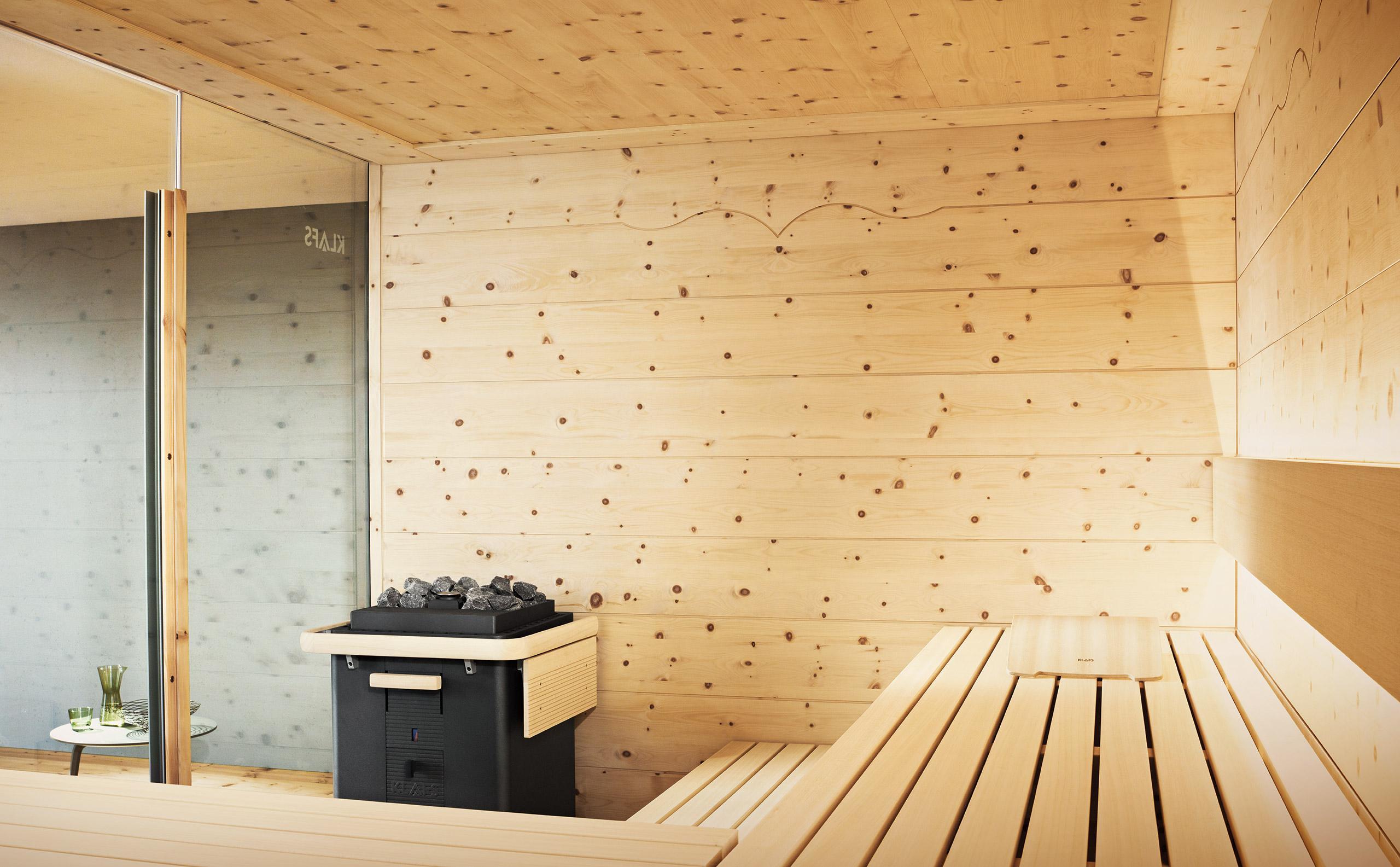 Интерьер бани из сосны