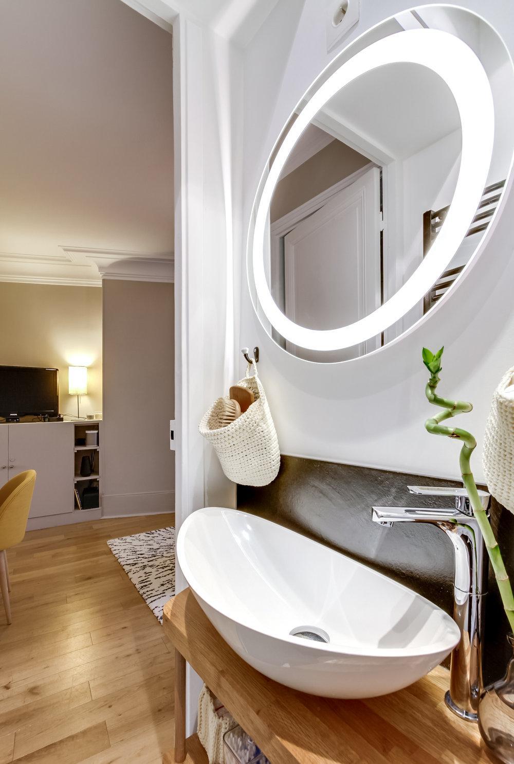 Обстановка однокомнатной квартиры с ванной