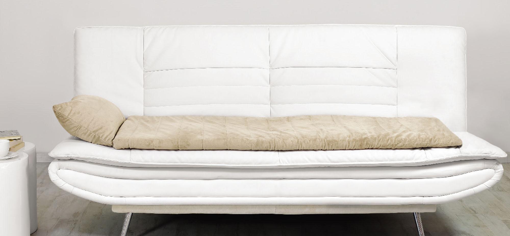 Чистый белый диван