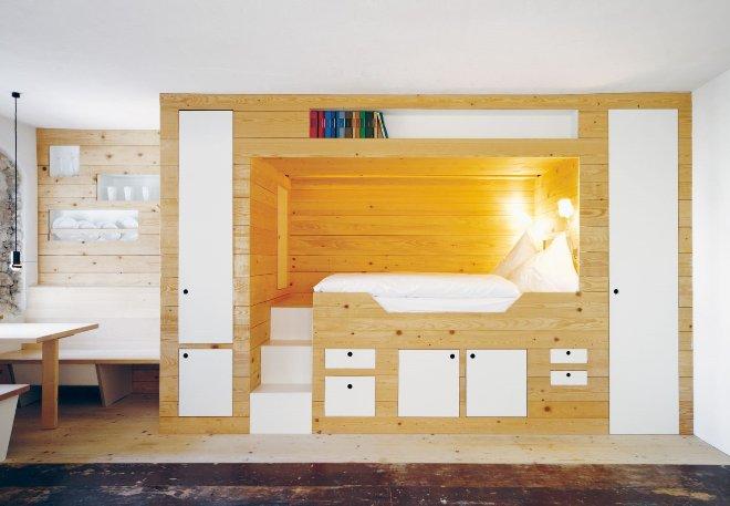Функциональный подиум в дизайне интерьера