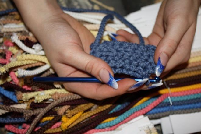 Вязание ковриков из шнура крючком