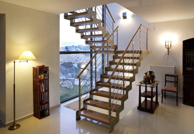 Лестницы на металлокаркасе в интерьере