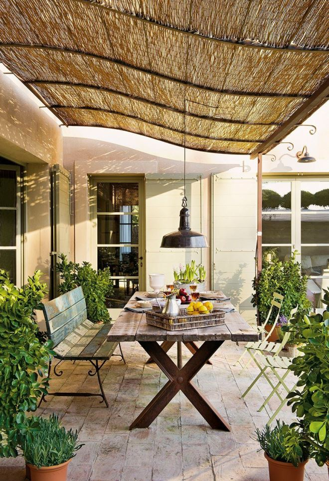 Плетеные потолки – оригинальное решение для веранды