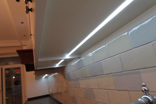 Подсветка кухонной ниши: принципы реализации