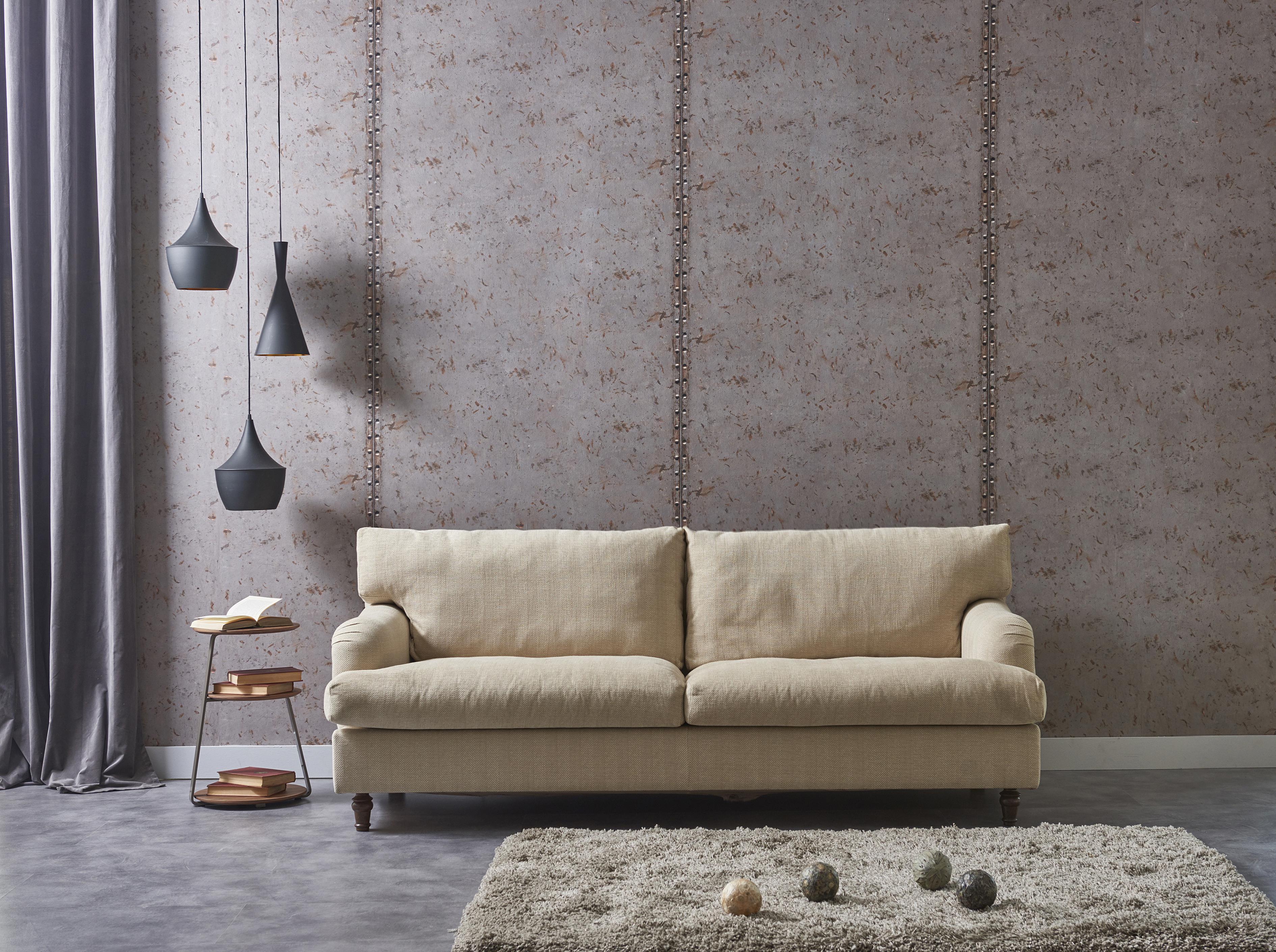 Серый пол и серые стены