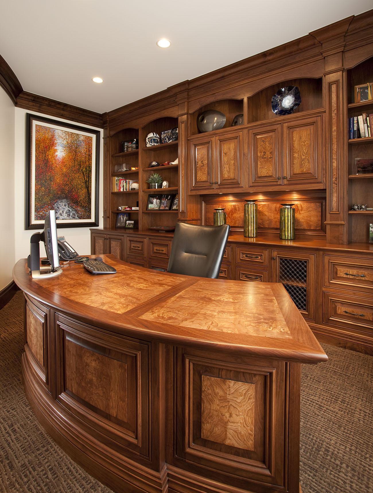 Дизайн интерьера кабинета руководителя из дуба
