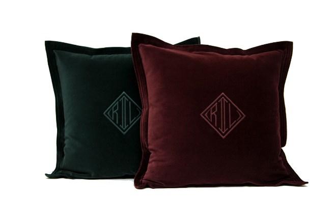 кожаные и бархатные подушки